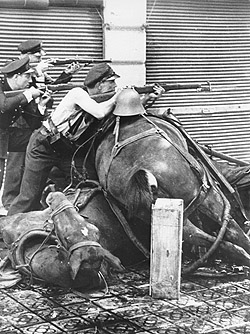 barricades_in_spanish_civil_war.jpg
