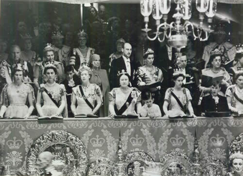 royal-family-coronation.jpg