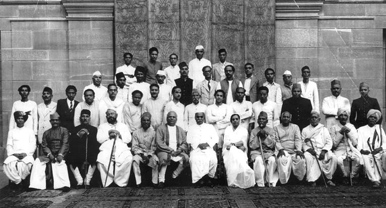 1st-music-conference-after-indias-independence-1948-big.jpg